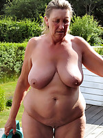 Happy fat grannies enjoing a nude sun bath - Chubby Naturists