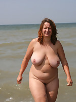Fat nude mature ladies having fun in a water - Chubby Naturists